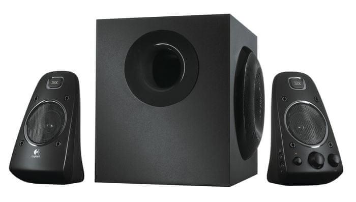 Logitech Poleg vhoda za slušalke imajo tudi 3,5 mm in RCA (činč) vtičnice in tako omogočajo **enostavno povez