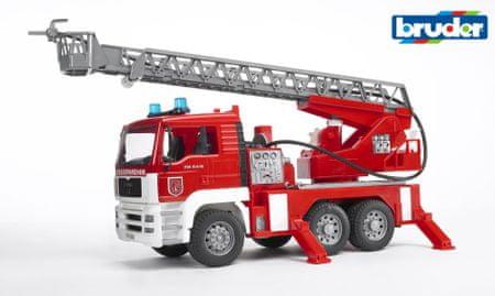 BRUDER MAN TGA hasičské auto s výsuvným rebríkom, pumpou, svetlami a zvukmi 1:16