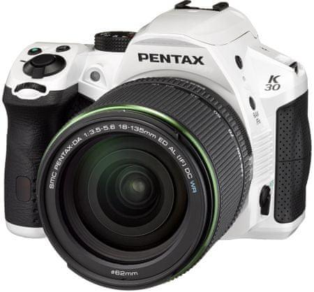 Pentax K-50 White + DA 18-135
