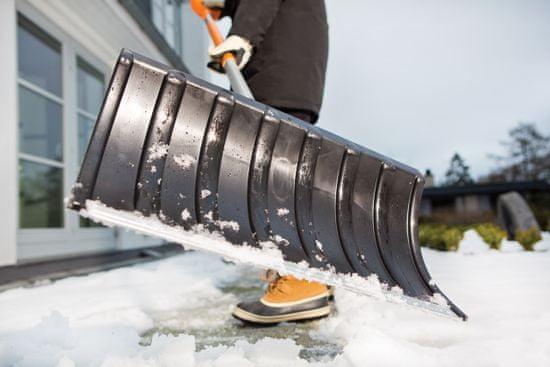 Fiskars lopata za sneg SnowXpert (143011)