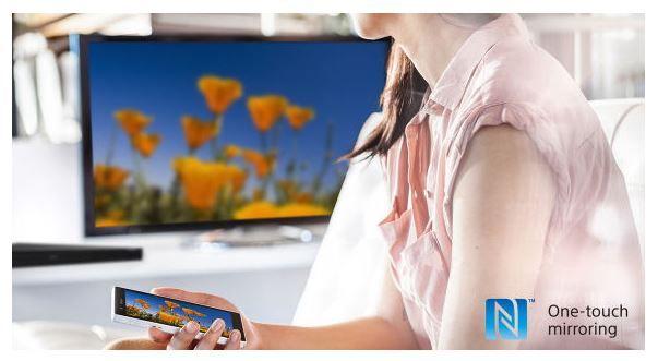 Obraz ze smartfona na dużym ekranie