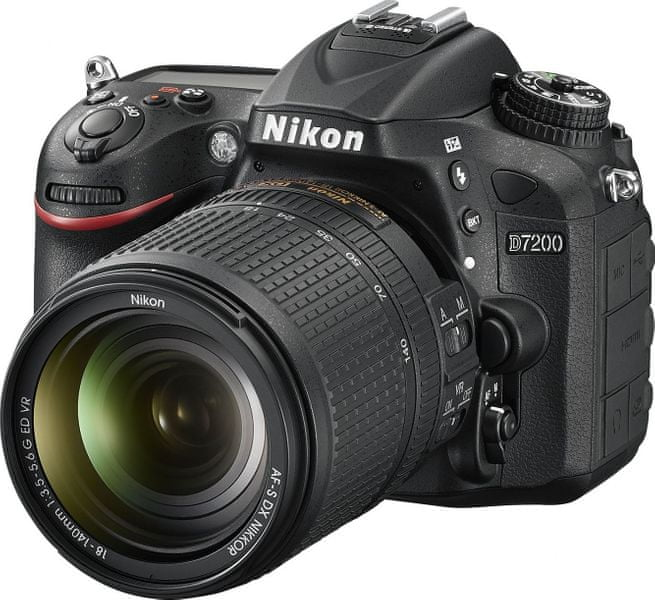 Nikon D7200 + 18-140 VR