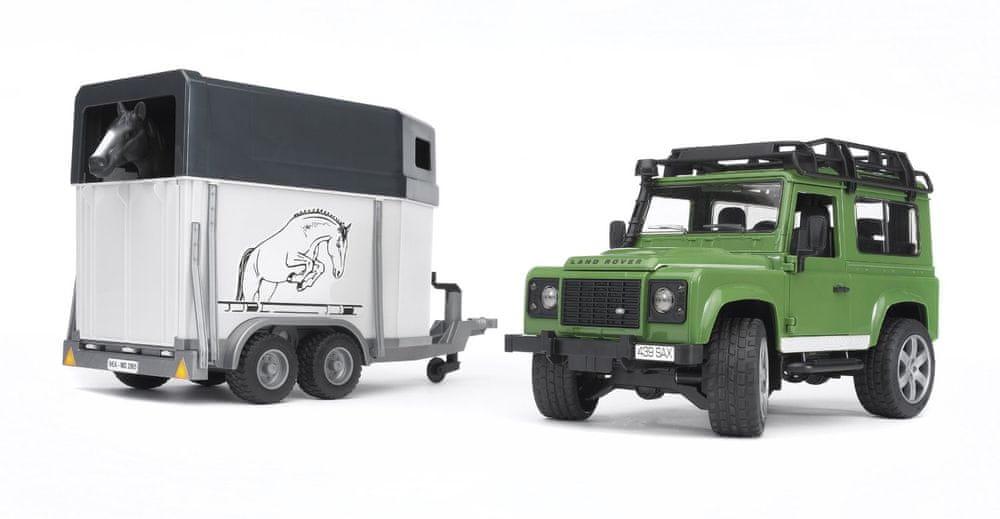 Bruder Land Rover Defender s přepravníkem na koně