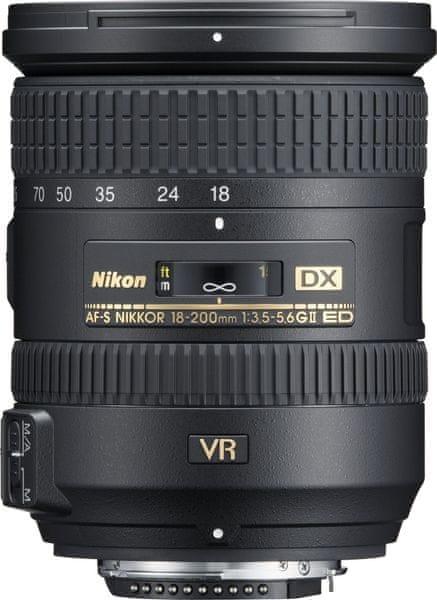 Nikon 18-200mm f/3.5-5.6 G AF-S DX VR II + Cashback 2500 Kč!