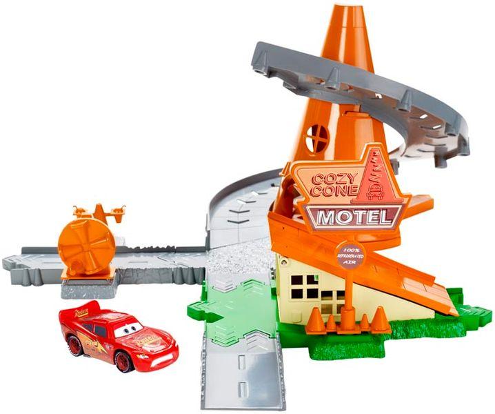 Mattel Cars set kardanová lhota Cosy Cone Spiral Rampway