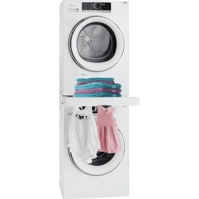 Umístění sušičky nad pračku výrazně šetří místo