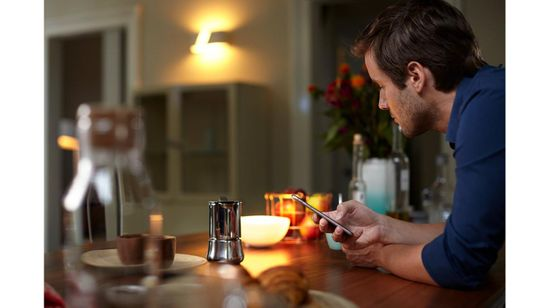 Philips Hue Bluetooth žárovka LED GU10 5,7W 350lm 2200-2700K, 16 mil.barev