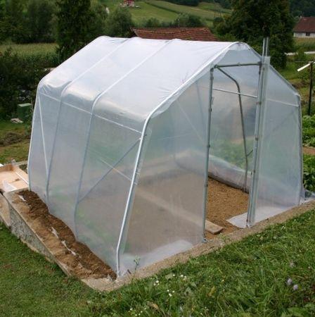 Rastlinjaki Gajšek plastenjak P9 (3 × 3 × 2,3 m)