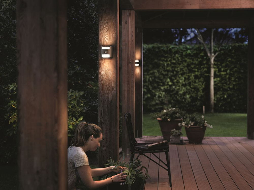 Philips Nástěnné LED svítidlo Grass s čidlem 17322/93/16
