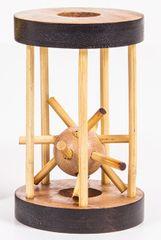Albi Ježko v klietke drevený