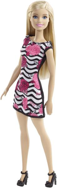 Barbie Panenka v šatech s květy