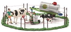 Schleich družina krav na pašniku