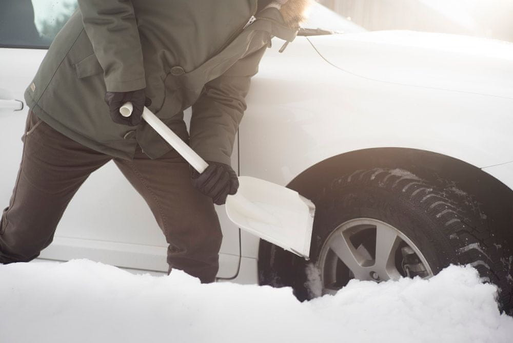 Fiskars Lopatka do auta SnowXpert™ (143072) - použité