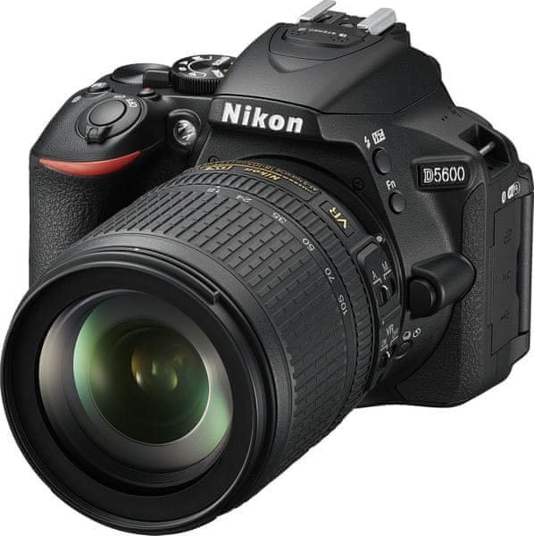 Nikon D5600 + 18-105 AF-S VR