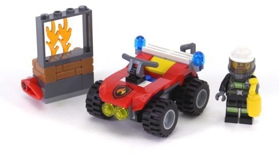 LEGO® City 60105 Hasičský terénní vůz