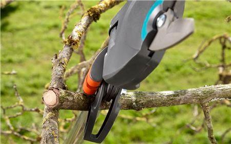 Gardena teleskopske škare za obrezivanje drveća StarCut 410 plus (12001-20)