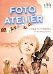 Adlerová J. S.: Fotoateliér ... když holky táhnou za jeden provaz