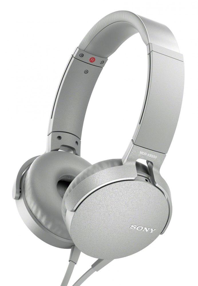 Sony MDR-XB550AP sluchátka s mikrofonem, bílá