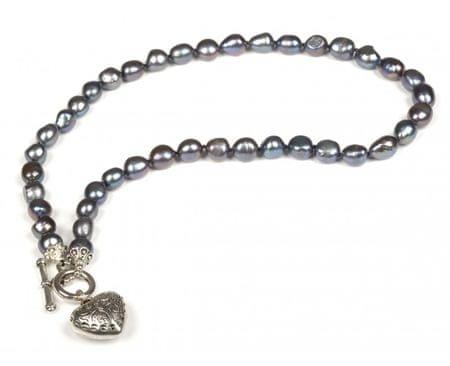 JwL Luxury Pearls Náhrdelník z pravých kovovo modrých perál s príveskom srdca JL0044