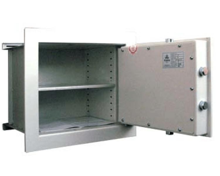 T-Safe Stěnový trezor ST 131 I. třída