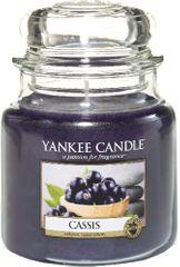 Yankee Candle Vonná svíčka Classic střední 411 g, Cassis