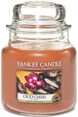 Yankee Candle Vonná svíčka Classic střední 411 g, Oud Oasis