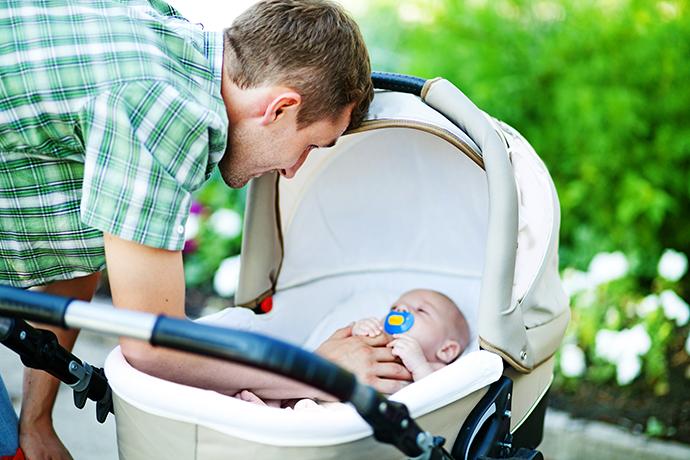 Hluboké kočáry jsou určené pro miminka, která si ještě neumí sednout.