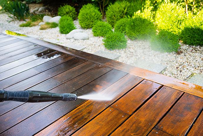 Tlaková myčka vám usnadní údržbu domu, auta i zahrady