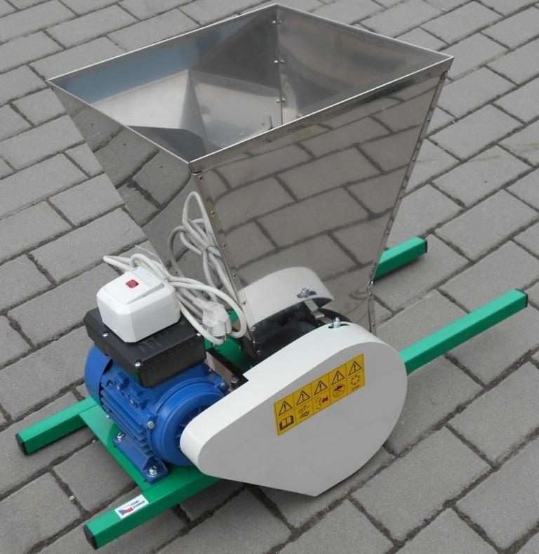 TIP Drtič na ovoce elektrický DE 30L nerez