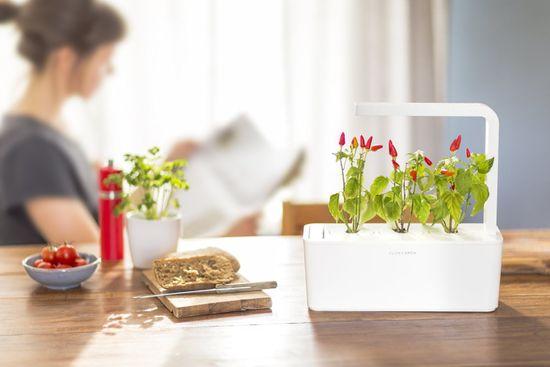 Click and Grow chytrý květináč pro pěstování bylinek, zeleniny, květin a stromů - Smart Garden 3, bílá