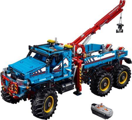 LEGO Technic 42070 Terénne odťahové vozidlo 6x6