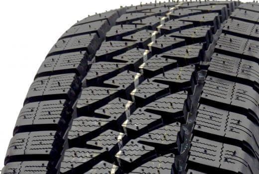 Bridgestone Blizzak W810 205/70 R15 R106