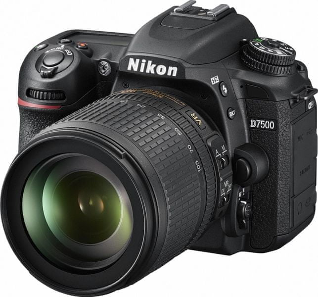 Nikon D7500 + 18-105 VR