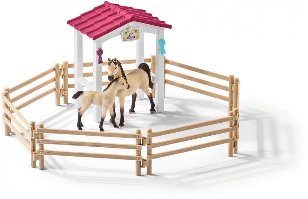 Schleich Stáj s koňmi Arabskými a ošetřovatelkou 42369