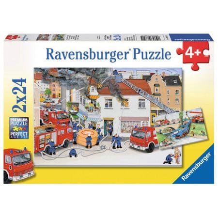 Ravensburger sestavljanka Z gasilci, 2x24d