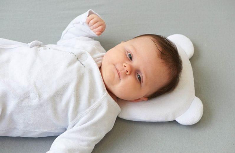 Přikrývky a polštáře pro miminka