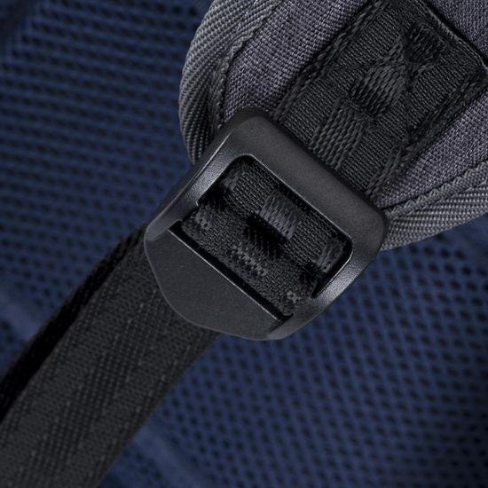 RivaCase nahrbtnik 7760 za prenosnik do 15,6, črn