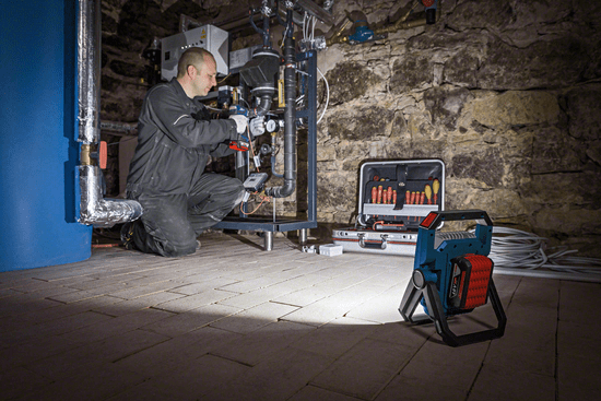 BOSCH Professional svetilka GLI 18 V-900 (0601446400)