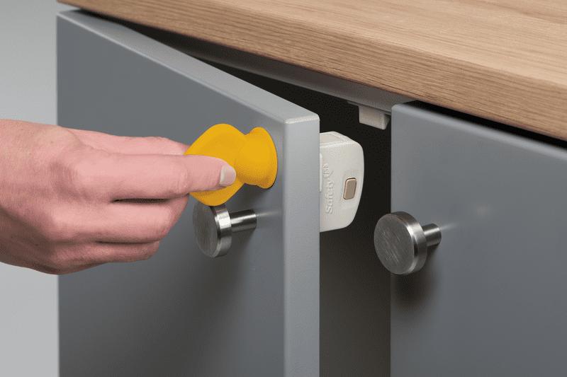 Safety 1st Magnetický zámek na skříňky