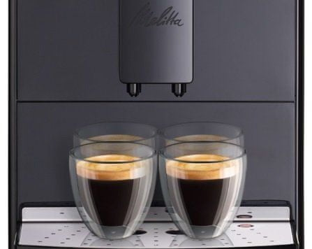 Ekspres do kawy przygotuje 2 filiżanki kawy na raz