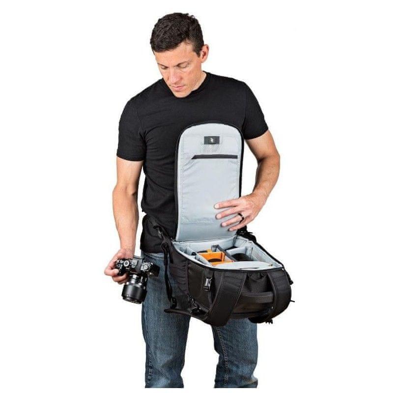 batoh na notebook Lowepro Flipside 300 AW II E61PLW37127 fotobatoh pláštěnka boční kapsy