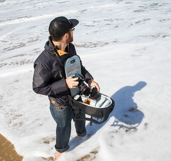 Lowepro fotografski nahrbtnik Flipside 300 AW II, pixel camo