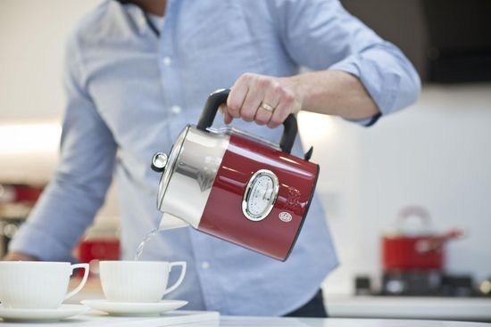 Russell Hobbs 21670-70 Retro Red Kettle