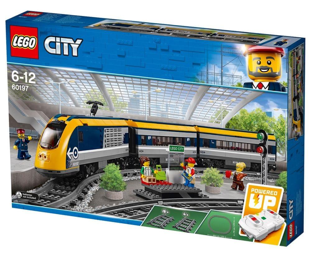 LEGO City 60197 Osobní vlak - rozbaleno