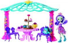 Mattel Enchantimals punčka s pavom in paviljonom