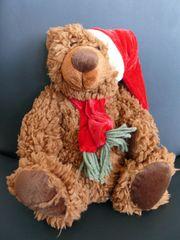Danish Style Medvídek Teddy s vánoční čepičkou