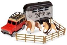 Wiky auto z przyczepą i koniem