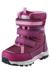 Lassie Dziewczęce stylowe **buty** w niebieskim kolorze z pewnością sprawią, że stopy Twojego dziecka będą ciepłe i wygodne. Buty można łatwo i szybko zdjąć. But z boku ozdobiony dużym sercem w różowym kolorze.Téli cipő