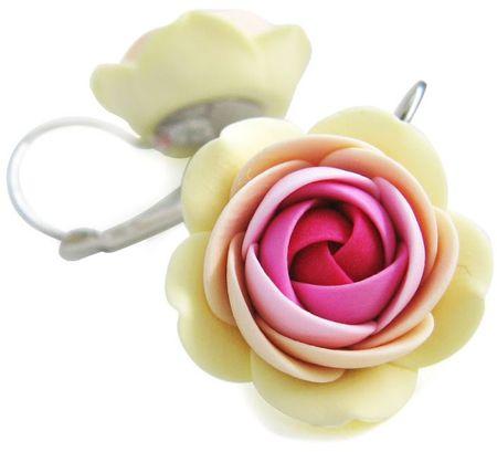 Troli Vanília-rózsaszín virág fülbevaló
