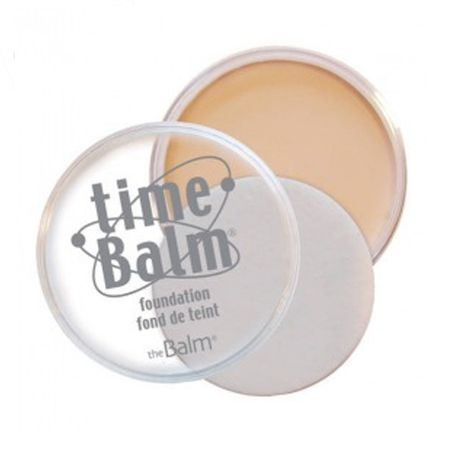 theBalm Omlazující krémový korektor TimeBalm Foundation 7,5 g (Odstín Medium)